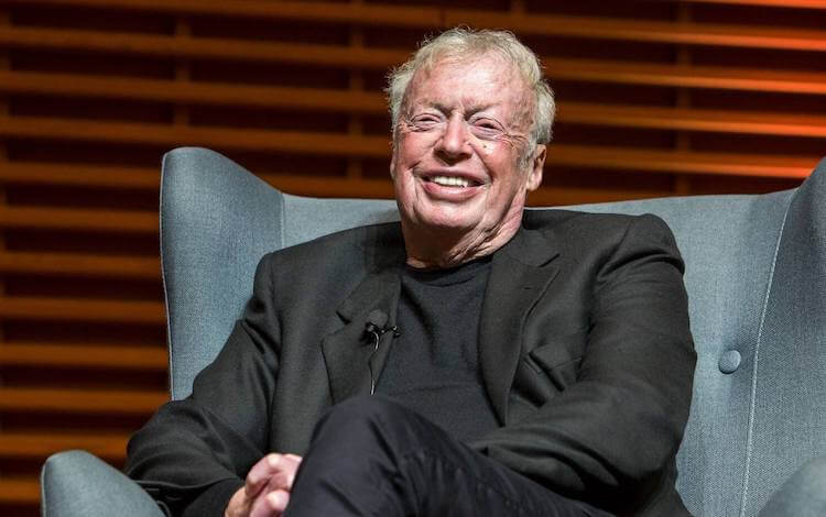 phil knight mba richest