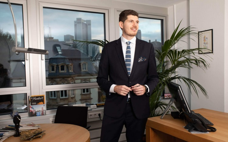 Eliomaria became a CEO after completing his Master's in Management in Frankfurt