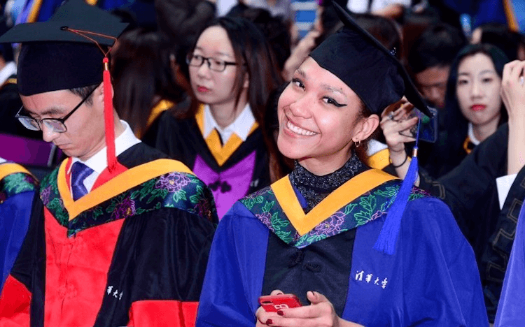 A Haiti native and blockchain enthusiast, Anne graduated from the Tsinghua-MIT Global MBA in 2019
