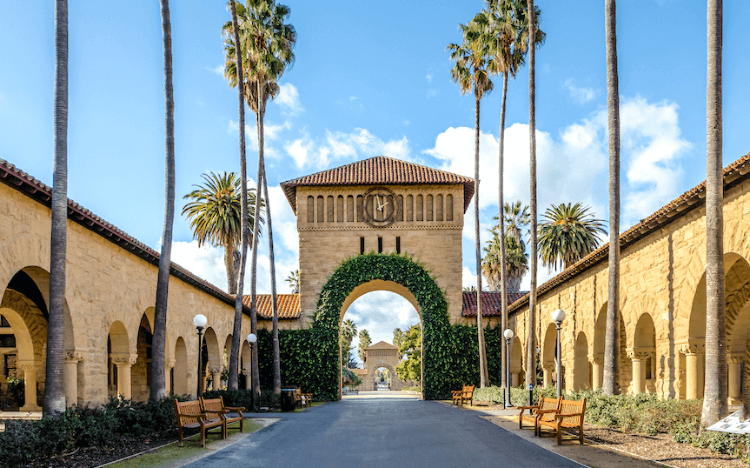 Find out the GMAT score ranges for top business schools like Stanford ©diegograndi