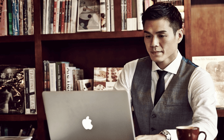 Seoul Min is an award-winning consultant with his own business
