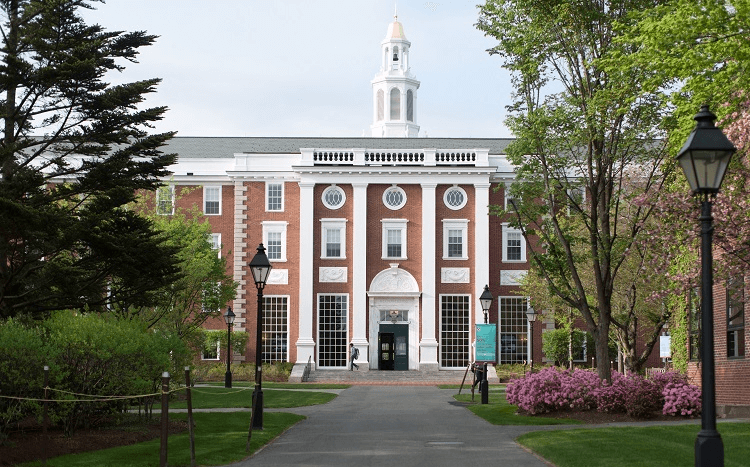 Harvard Business School MBA jobs & salary review: The HBS MBA is ranked the world's best by the Financial Times ©Susan Young for HBS