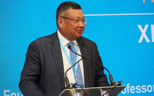 Xiang Bing is the founding dean of China's Cheung Kong Graduate School of Business