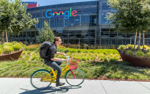 ©JasonDoiy - Google ranks as the most attractive employer for b-school students in the US