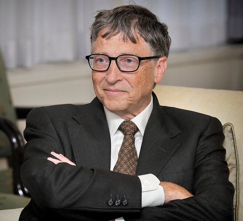 bill gates reads an average of 50 books per year