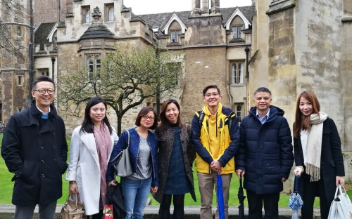 The CEIBS UK alumni chapter explore Cambridge together