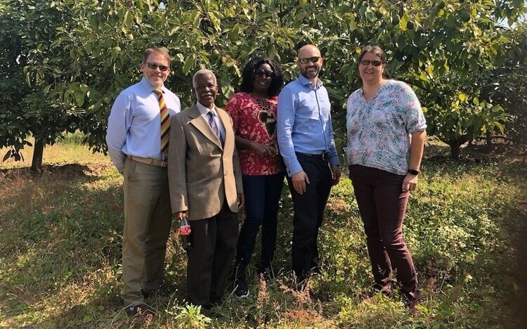 MBAs meet members of the Avocado Grower Association Zambia on the International Business Assignment
