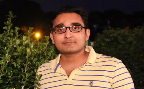 Asif Hashim works in commercial business management at an oil and energy consultancy