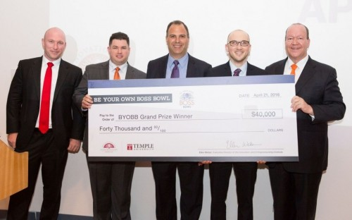 © www.fox.temple.edu - Tony (center) won $40,000 in a business plan competition at Fox
