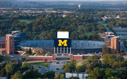 Michigan Ross alumni have lifetime, tuition-free access to leadership development