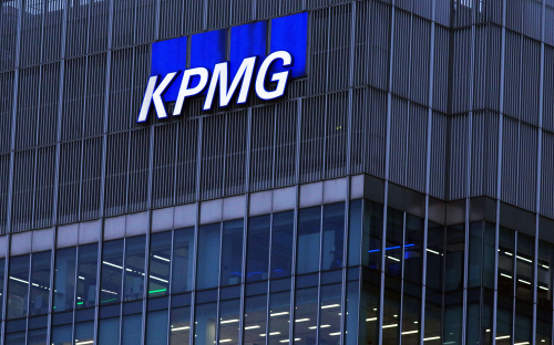 KPMG, Deloitte, PwC, EY Are Snapping Up More MBA Consultants