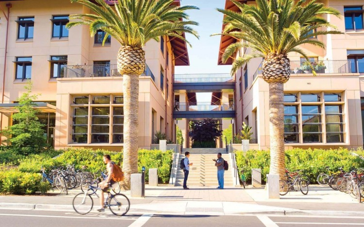 Stanford GSB, in California, offers Bloomberg Businessweek's top-ranked MBA program