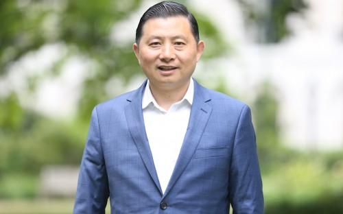 Bo Ji, the China Mini EMBA+ director, wants China-hungry executives with a global mindset